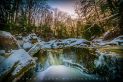 Miniature_Waterfall_Brecksville_Winter